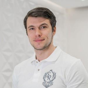 Дмитрий Левадный